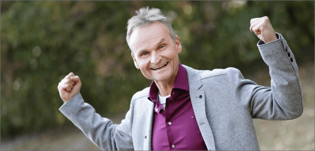 Matthias Schloßgangl erklärt, wie du Nervosität durch starke Emotion besiegst